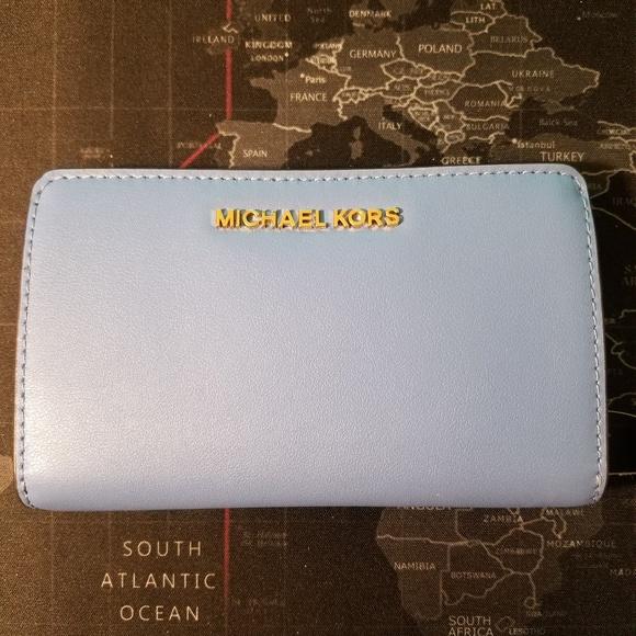 Michael Kors Jet Set Bifold Leather Wallet